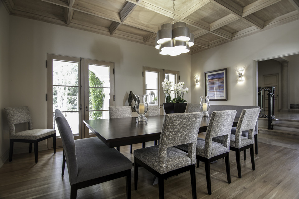 Stunning high-end dining room table and chairs