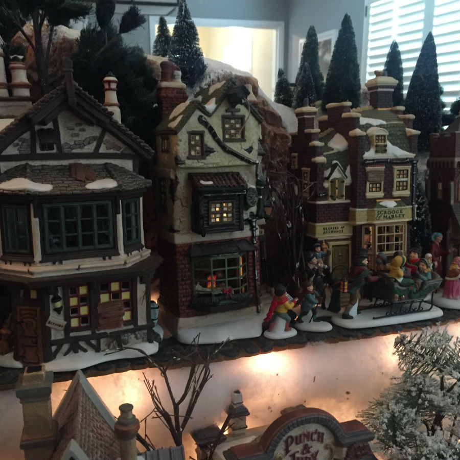 dickens-christmas-village-scene