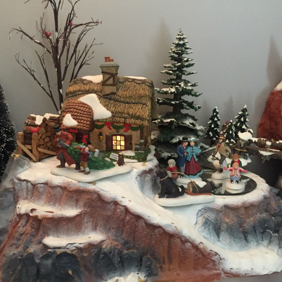 mountain-christmas-village-houses